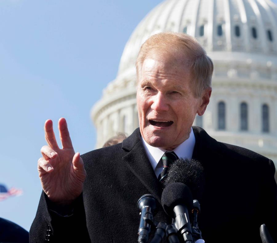 Bill Nelson durante una conferencia de prensa a las afueras del Capitolio. (EFE) (semisquare-x3)