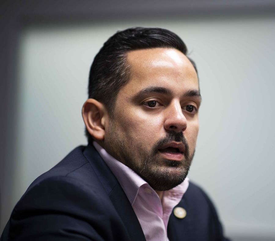 El secretario Erik Rolón explicó que, al ser un contrato en exceso de $10 millones, la JSF debe aprobarlo antes de su firma. (GFR Media) (semisquare-x3)