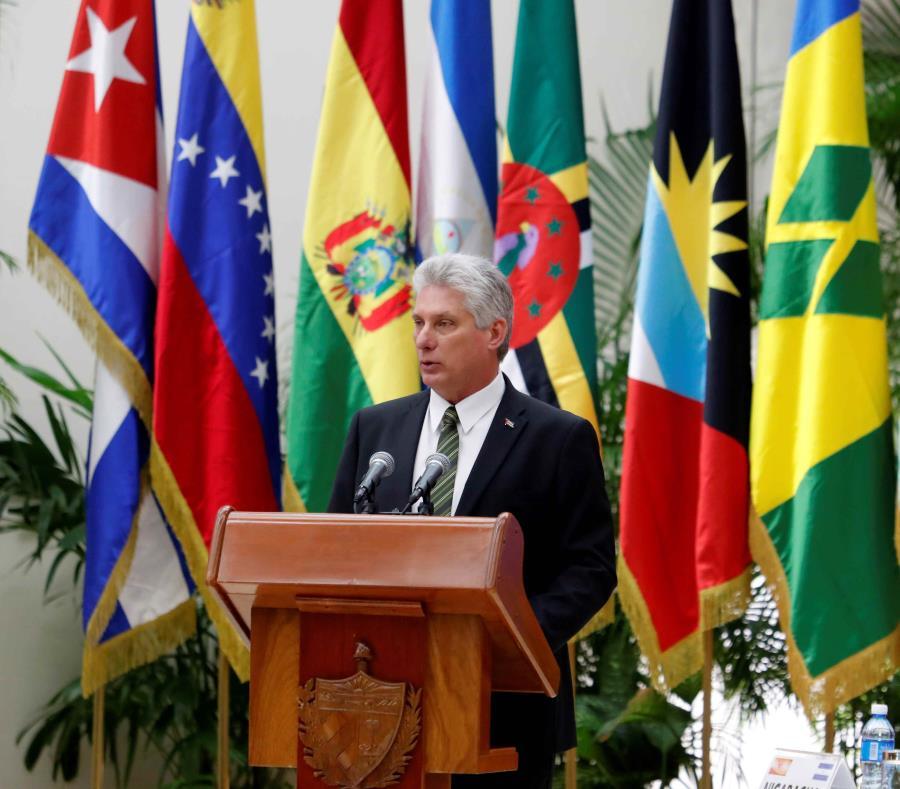 Miguel Díaz-Canel Bermúdez imputó que Estados Unidos ha sometido a persecución financiera y sanciones a las principales empresas que han tenido relaciones con Cuba. (EFE / Ernesto Mastrascusa) (semisquare-x3)