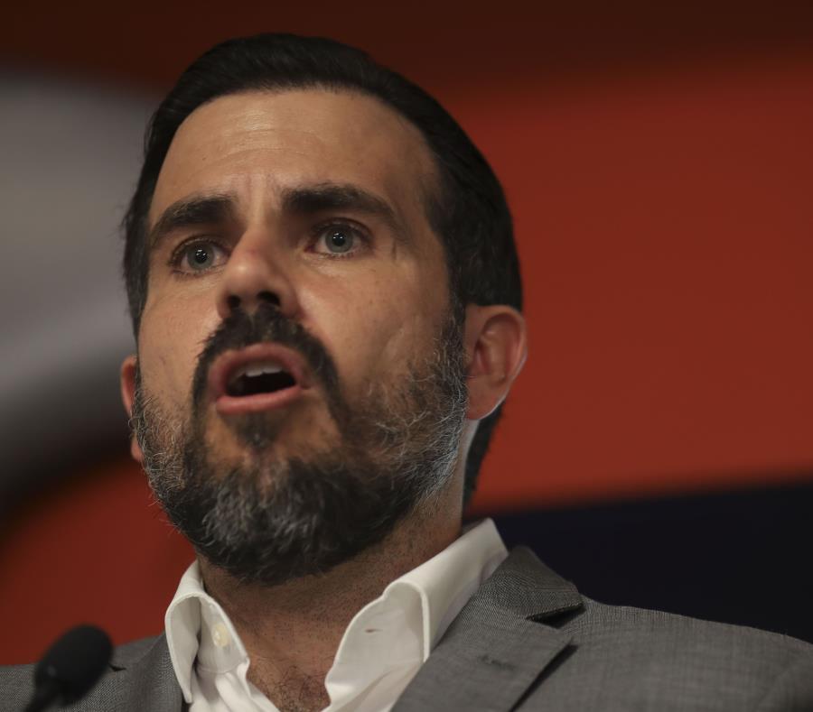 El gobernador de Puerto Rico prescinde de todos sus colaboradores del chat