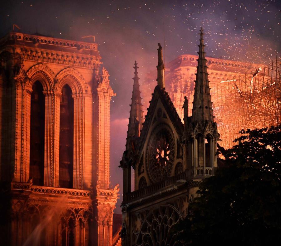 Un incendio afectó la estructura de la catedral de Notre Dame, el pasado 15 de abril (semisquare-x3)