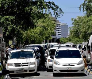 Buscan tipificar como delito grave el bloquear el paso a transportistas