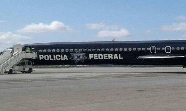 México deporta a 57 cubanos