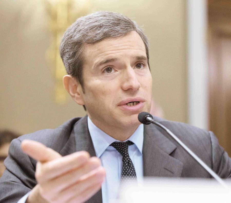 """Antonio Weiss destacó la importancia de establecer un período de transición """"claro"""" para cualquier nuevo status político para la isla. (AP / Manuel Balce Ceneta) (semisquare-x3)"""