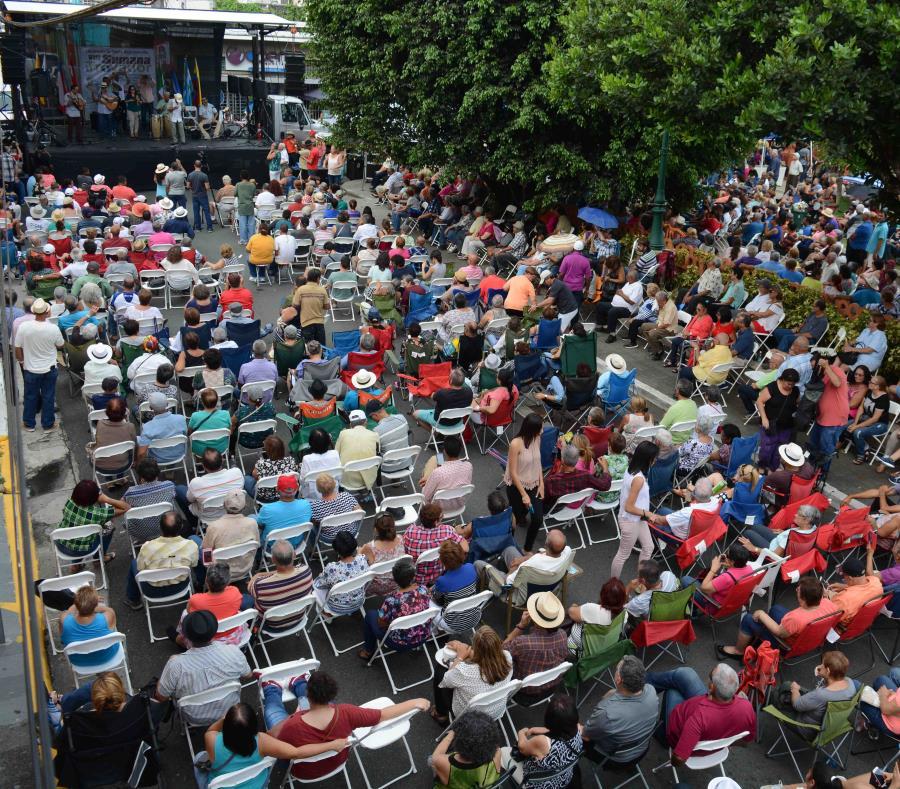 La novena Semana del Trovador Puertorriqueño comenzó el viernes, 28 de septiembre, en Hormigueros con el primer encuentro de trovadores del mundo y trovadores del área oeste. (semisquare-x3)