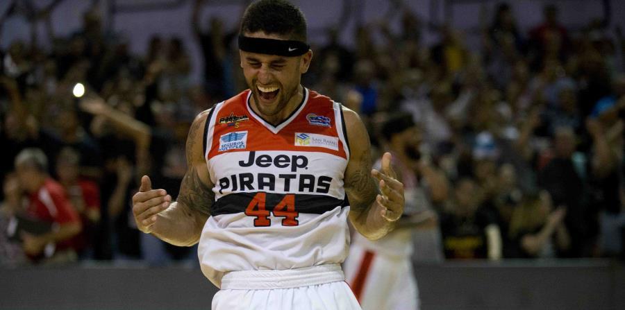 Javier Mojica ganó el campeonato del BSN el año pasado con los Piratas de Quebradillas. (AP) (horizontal-x3)
