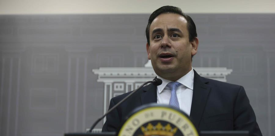 El exsecretario de la Gobernación, William Villafañe, durante una conferencia de prensa en La Fortaleza. (GFR Media) (horizontal-x3)