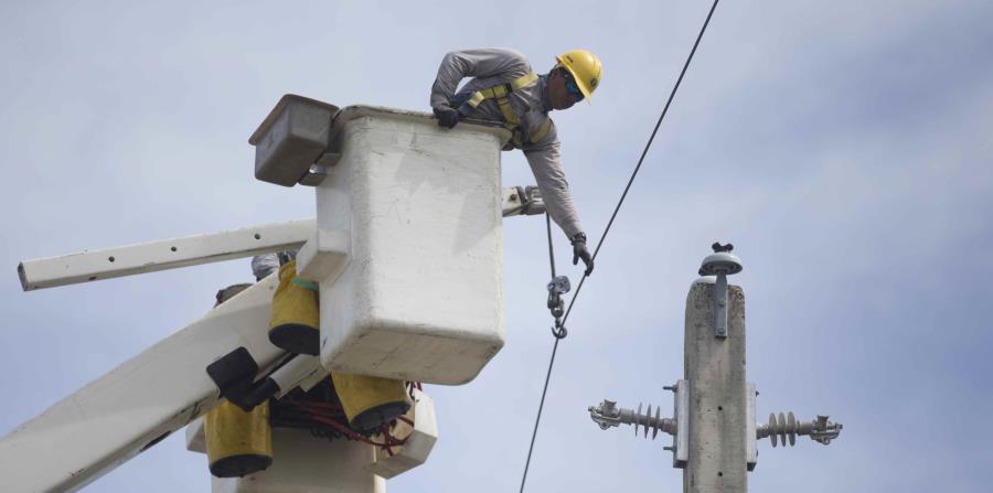 En Arecibo solamente hay 57 sectores donde las labores de energización no han culminado (horizontal-x3)