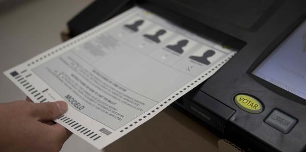 Te explicamos cómo inscribirte para votar en la primaria del Partido Demócrata