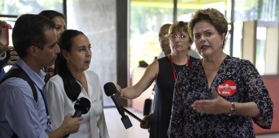 La expresidenta de Brasil, Dilma Rousseff (centro)  abogó por la liberación del también expresidente Luiz Inácio Da Silva durante el XXIV Foro de São Paulo en La Habana. (EFE / Ernesto Mastrascusa) (horizontal-x3)