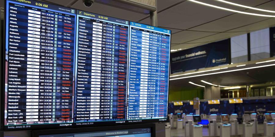 Más de 5,000 vuelos fueron cancelados en Estados Unidos. (AP) (horizontal-x3)