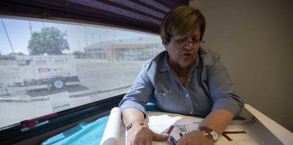 """""""Mayita"""" Meléndez asegura que """"a las personas les encanta vivir en las carpas"""" de los refugios"""