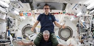 Momentos de Joseph Acabá en la Estación Espacial Internacional