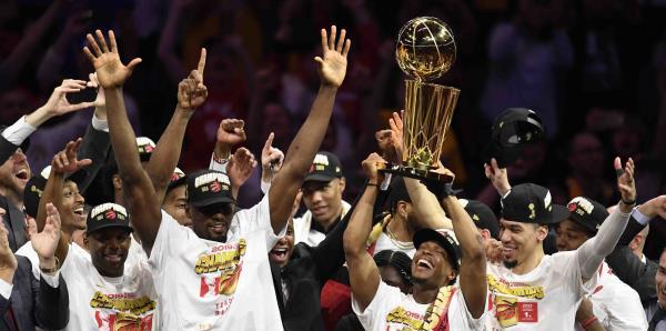 Los Raptors festejan su primer campeonato en la historia de la NBA