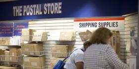 La ciudad de Nueva York y California demandan al Servicio Postal por el envío de cigarrillos