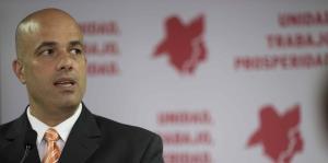Héctor Ferrer se queda al frente del PPD hasta diciembre