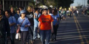 Manifestantes exigen que la jueza Lau...