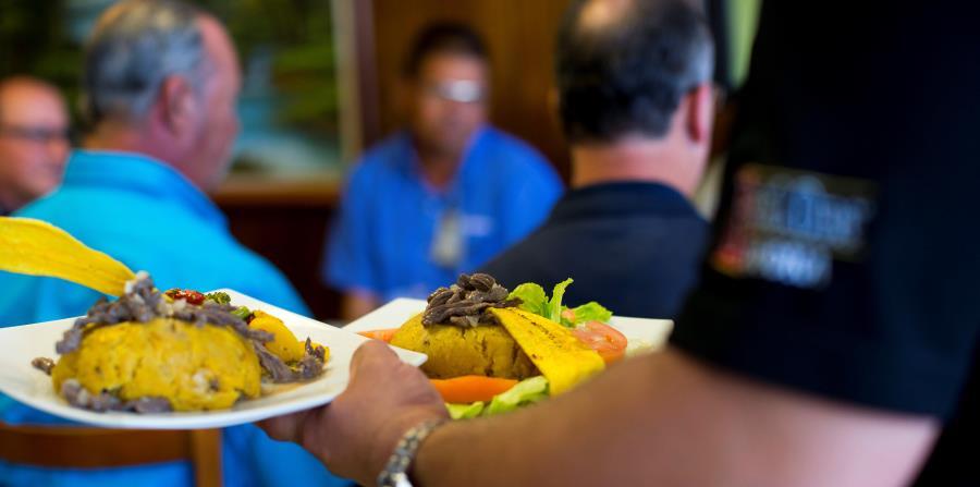 """Los más beneficiados del aumento en ventas fueron las cadenas de comida rápida y los restaurantes informales o """"casual dining"""". (horizontal-x3)"""
