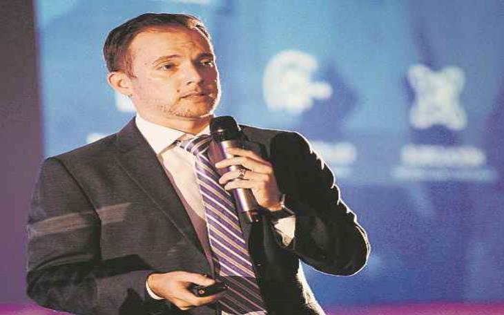 Ricardo Llerandi mencionó que la CCE ofrece incentivos económicos de hasta $5,000 como capital semilla en la industria musical (semisquare-x3)