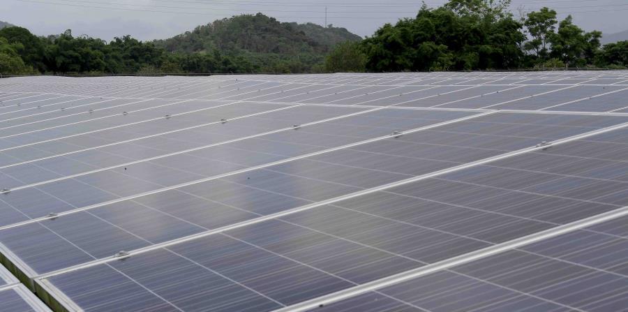 El parque ubicado en el municipio Yaguaramas cuenta con 19,440 paneles solares (horizontal-x3)