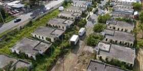 Buscan alternativas de vivienda para familias afectadas por terremotos en Yauco