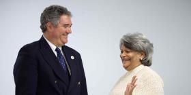 Recinto de Ciencias Médicas recibe millonaria donación para crear nueva beca