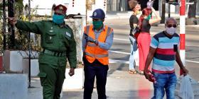 Procesan a turistas y a presuntos ladrones de mascarillas en Cuba