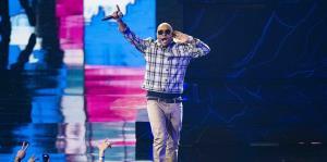 El junte de dos generaciones hizo historia en los Premios Tu Música Urbano
