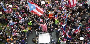 Década del 2010: el clamor del pueblo provoca la renuncia de un gobernador y otros eventos que marcaron al país