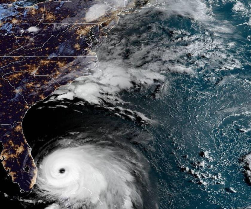 Al menos un muerto por huracán Dorian en Bahamas