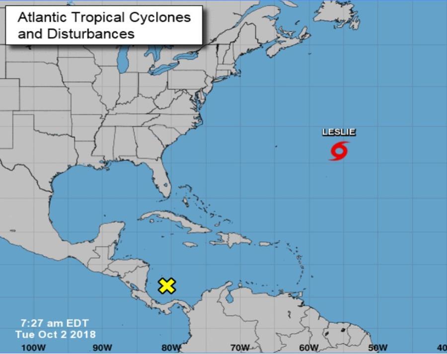 Los vientos de Leslie llegan hasta a 160 millas (260 km) de su centro. (semisquare-x3)