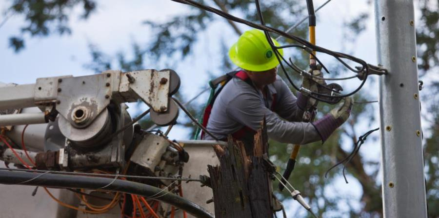 The government of Puerto Rico argues that about $ 17 billion are required to modernize the power grid. (horizontal-x3)