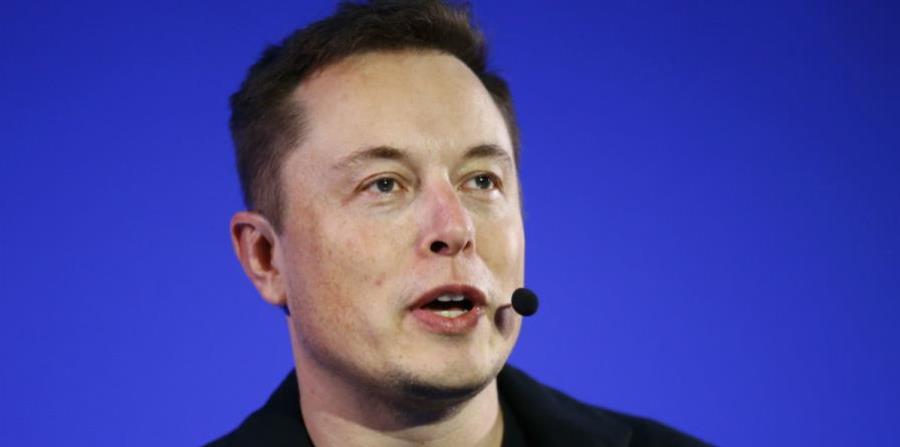 Elon Musk advierte los riesgos si no mejora la relación entre humanos y robots (horizontal-x3)