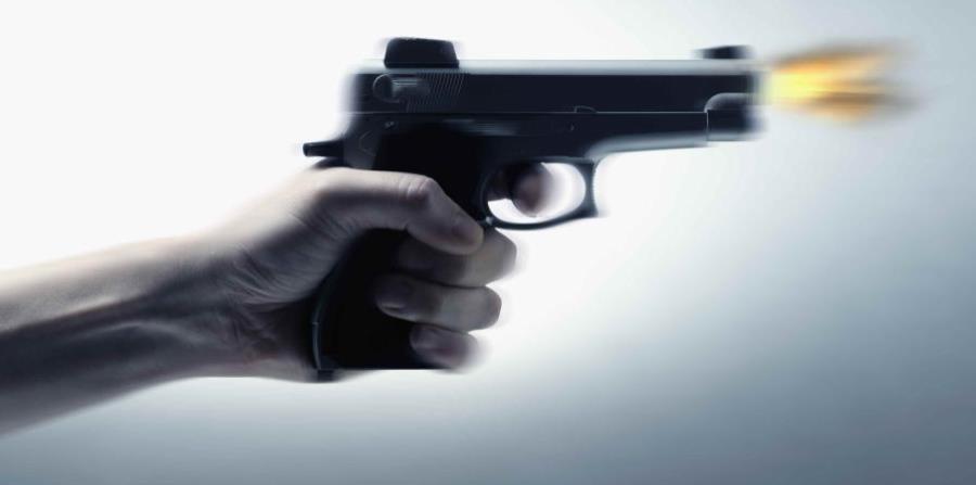 Un chico de 14 años salió corriendo de la casa y llamó a la policía. (GFR Media) (horizontal-x3)