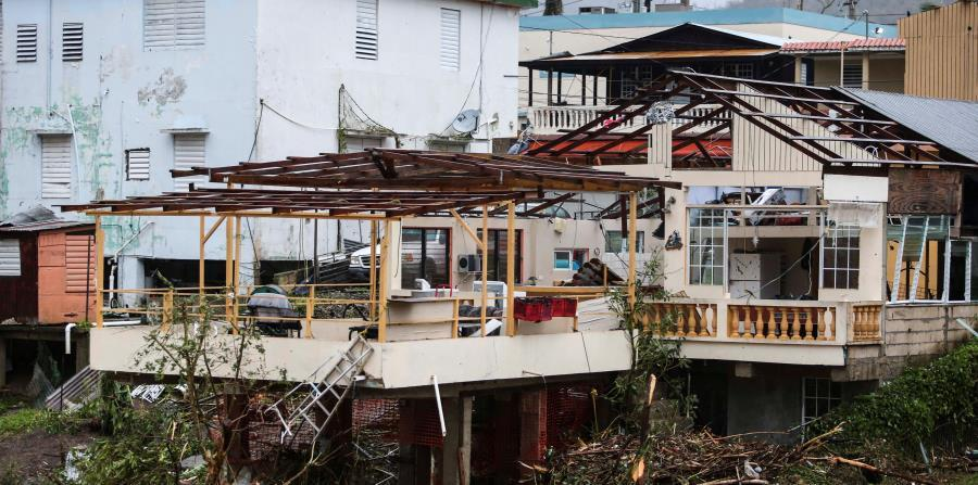 The neighbors of the central zone of the island were those who suffered more damage in their houses. (horizontal-x3)