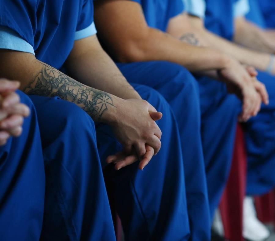 El proyecto de ley eliminaría el tiempo de espera establecido en ley -el cual se fija en seis meses para los delitos menos grave y de cinco años para los delitos graves (semisquare-x3)