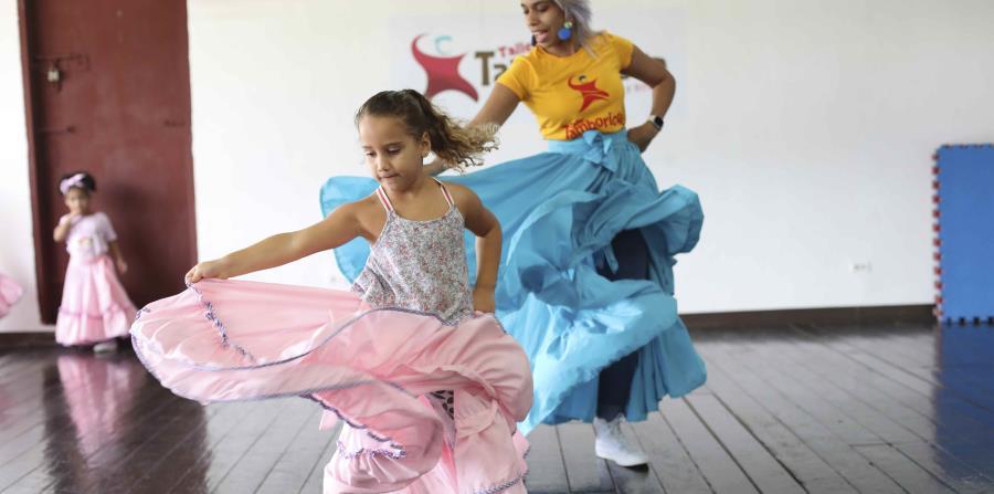 Escuelas de música y artes mantienen sus cursos en medio de la cuarentena