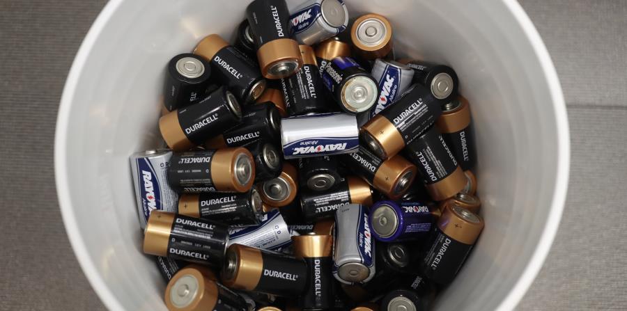 Algunas sucursales de Chedraui funcionan como centros de reciclaje en Puebla, en especial de baterías.