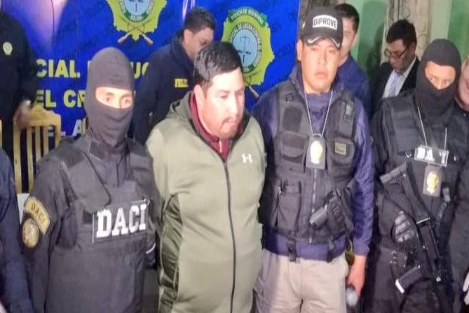 Capturan a un sospechoso del robo de la medalla y banda presidencial de Bolivia (horizontal-x3)