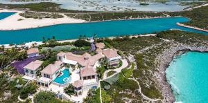 Así es la casa en el paraíso tropical de Prince que está a la venta