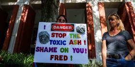 Organizaciones comunitarias boricuas se manifiestan en contra del depósito de cenizas en Osceola