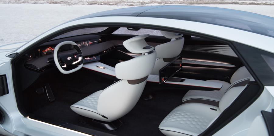 El interior de este modelo es sumamente futurista.