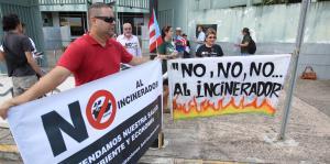 Rosselló no ha descartado la incineración como política pública