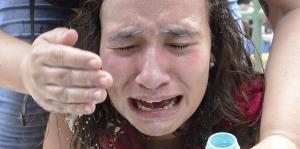El efecto de gas lacrimógeno en manif...