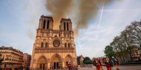 Revelan que el personal de Notre Dame tardó 30 minutos en llamar a los bomberos