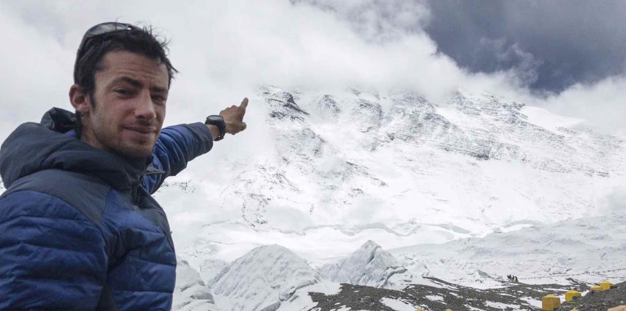 Kilian Jornet conquistó la cima por primera vez en 26 horas de esfuerzo ininterrumpido. (horizontal-x3)