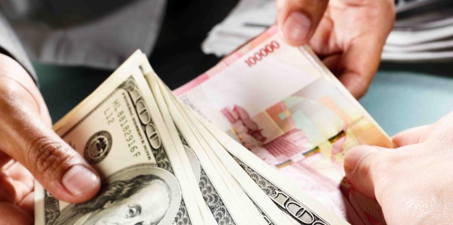 Cambiando Dólares Por Euros Horizontal X3
