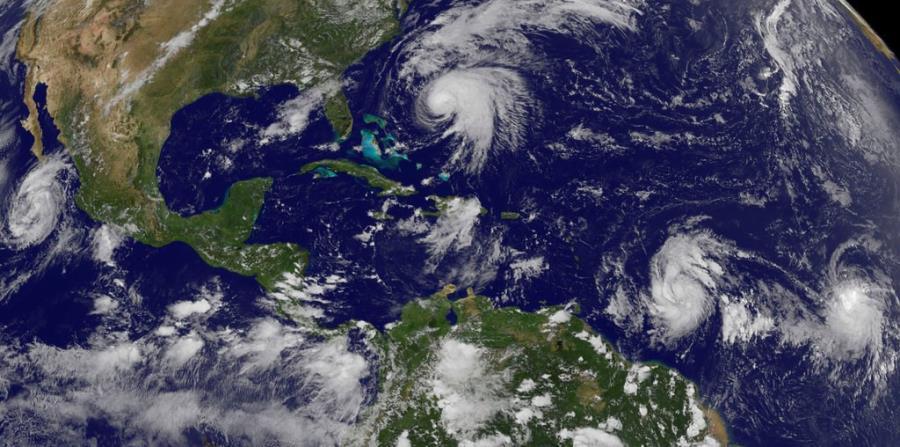 En el Atlántico se han producido un total de 13 tormentas nombradas y 8 huracanes. (AP) (horizontal-x3)