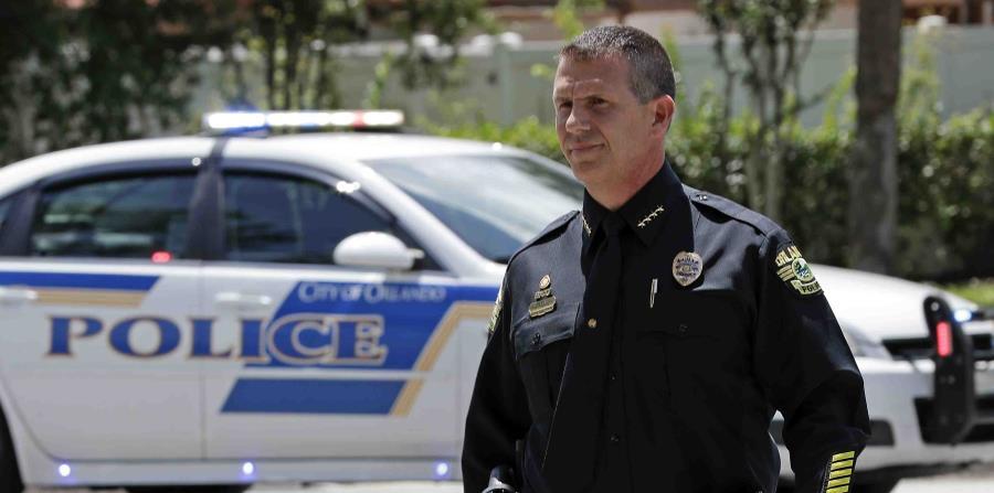 El jefe de la Policía de Orlando, John Mina, acudió a la escena. (AP) (horizontal-x3)