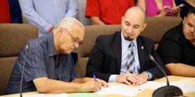 Camioneros firman acuerdo para establecer disposiciones de cumplimiento con tarifas y reglamentos